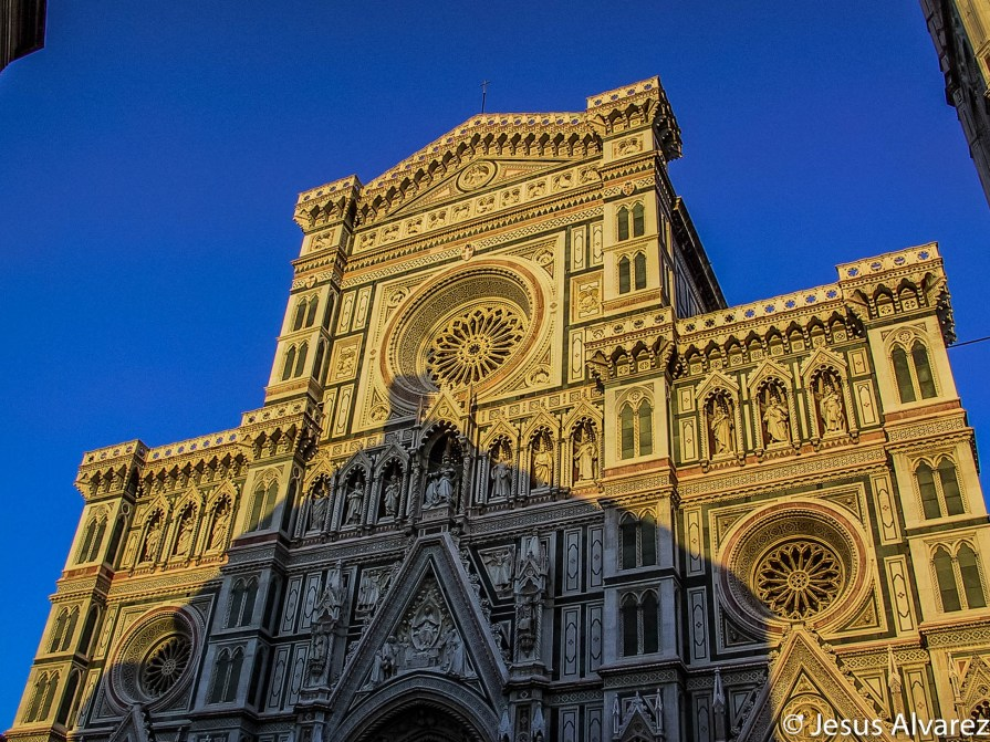 Shadow of the baptistery over the cathedral of Florence
