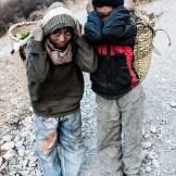 Niños trabajando, en los alrededores de Jomsom, Mustang, Nepal.