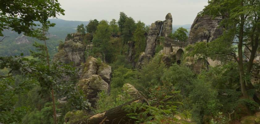 Bastei - skalne bastiony w Niederrathen