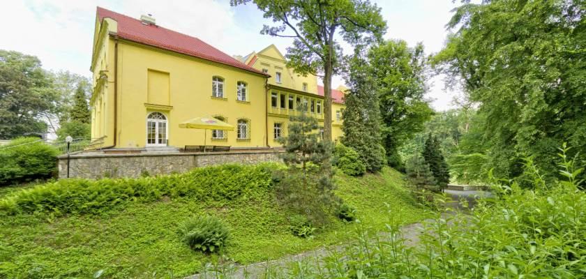 Pałac w Rogowie Opolskim