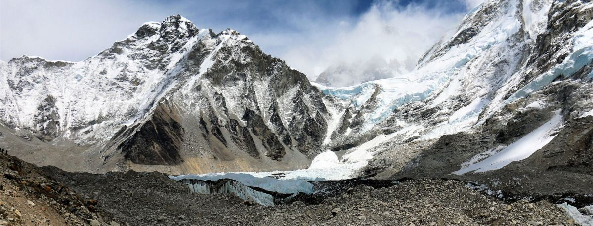 DZIEŃ 9 : KALA PATTHAR (5604m) + GORAK SHEP (5180m) -> EVEREST BASE CAMP (5356m)