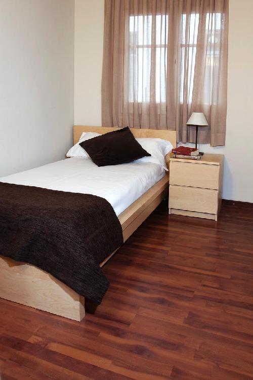 Apartamentos Madanis L Hospitalet
