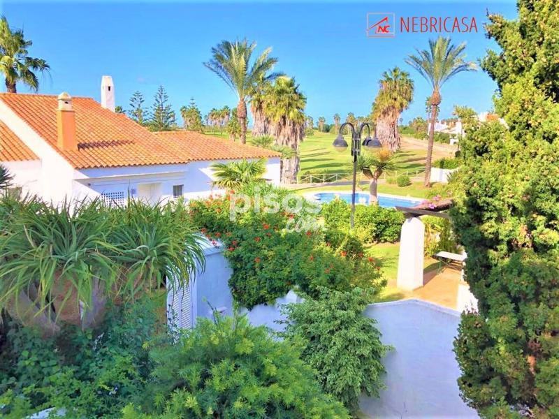 Esta sección permite poner en contacto personas que quieren alquilar un apartamento. Casa adosada en venta en Costa Ballena en Costa Ballena ...