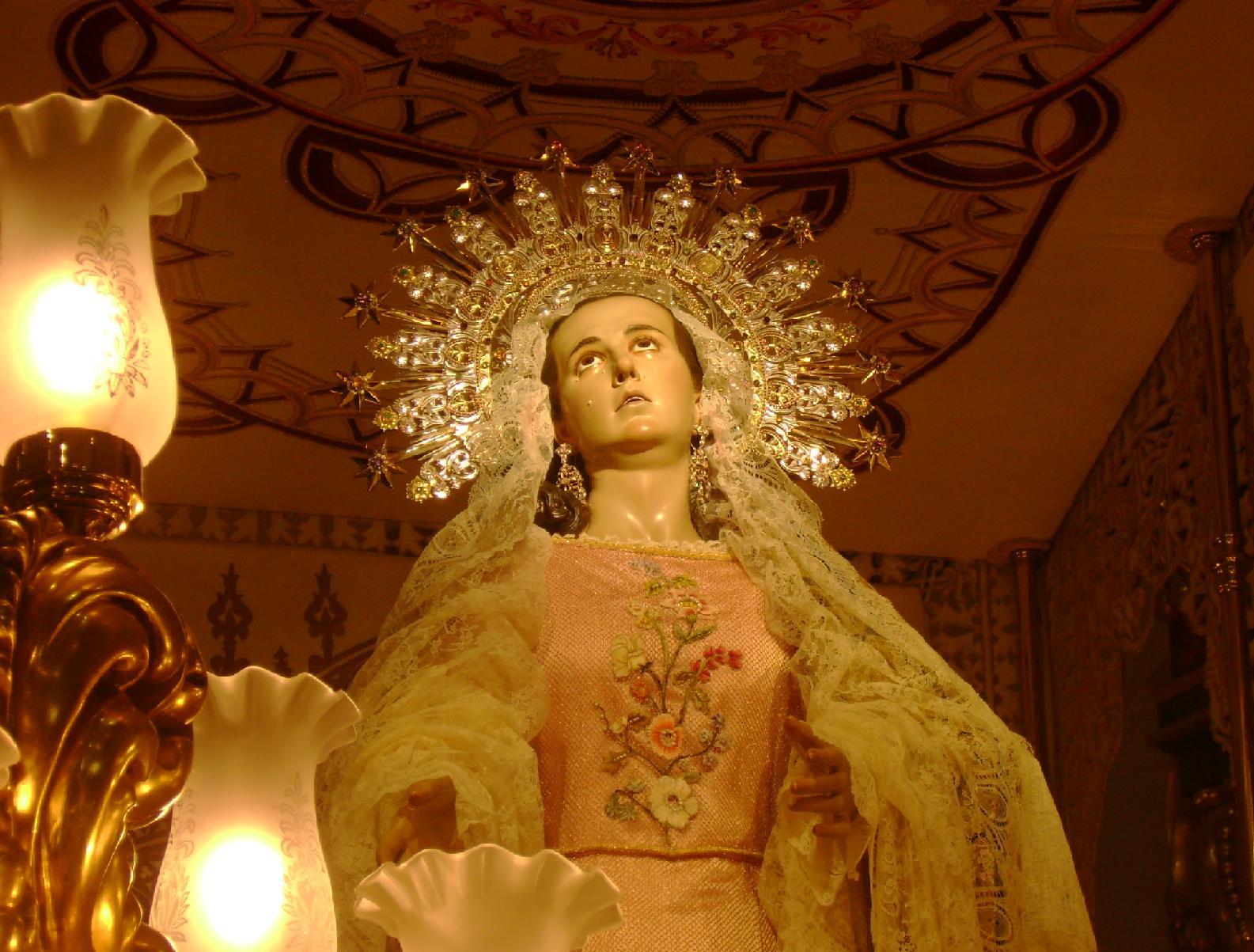 Santsima Virgen de la Amargura Titular del Paso Blanco Lorca  fotos de Semana Santa
