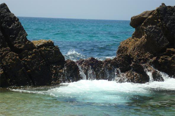 Resultado de imagen de imágenes de rocas en el mar