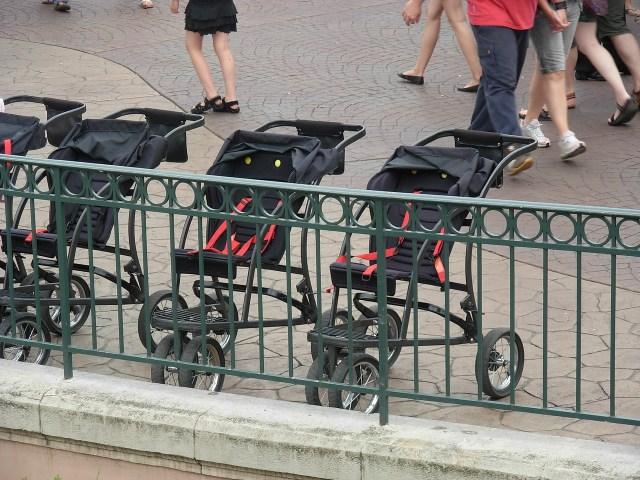 carritos de bebé en Disneyland