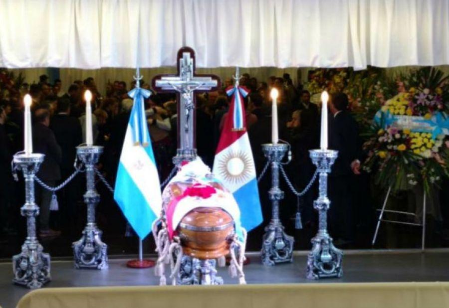 Velan los restos del ex gobernador, José Manuel De la Sota