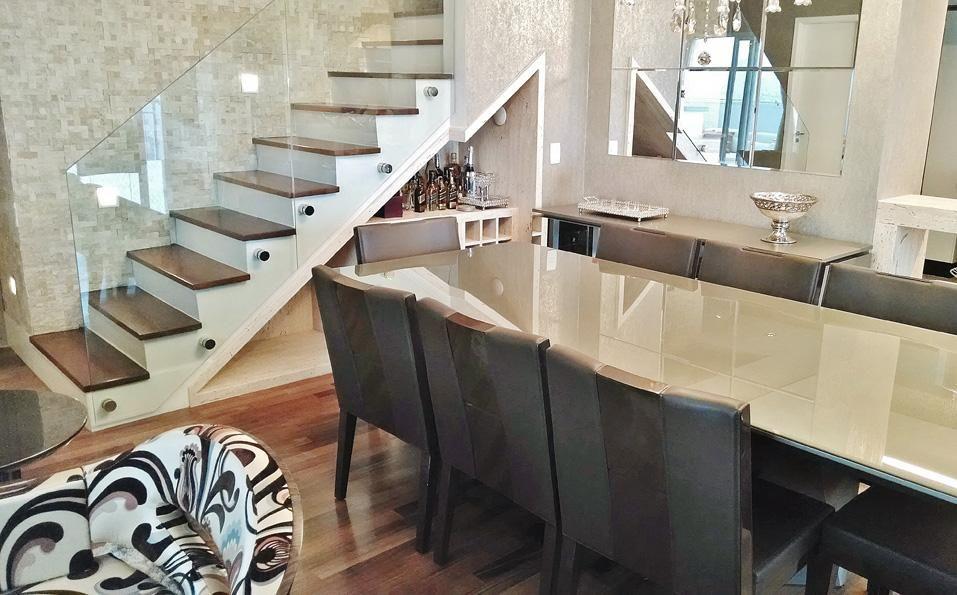 Salas Com Escadas Decoradas Beautiful Espaoso Pequenos