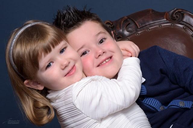"""Giorgia abbraccia """"teneramente"""" Alessandro"""