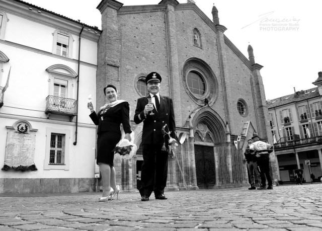 Asti, Brindisi in Piazza San Secondo. #sansecondo #asti #municipiodiasti #brindisi #fotografodimatrimoni
