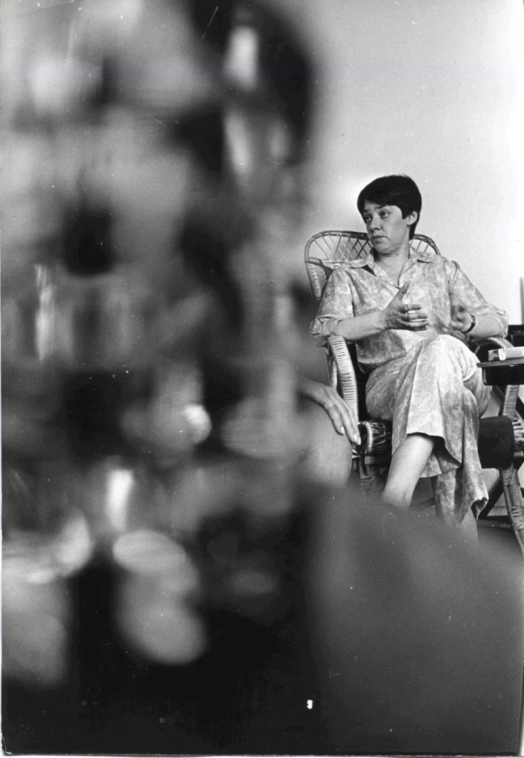 Pablo Alonso Maria Elena Walsh c.1968 Gelatina de plata sobre papel 24x16,5 cm