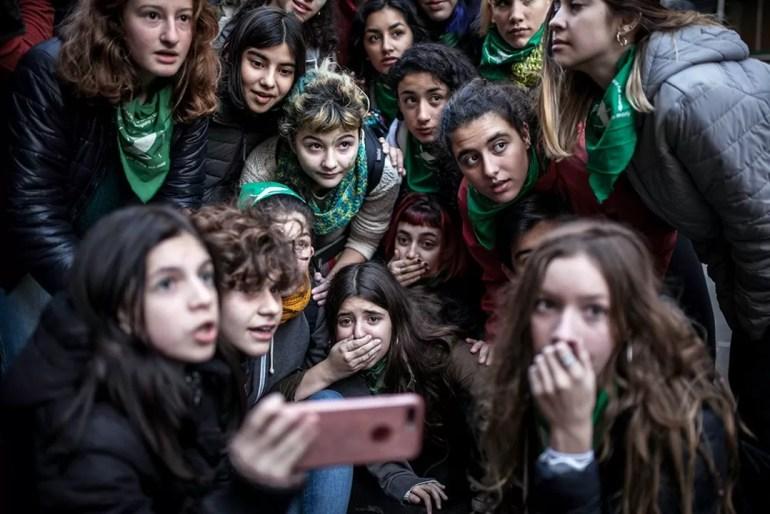 Concurso Gente de Mi Ciudad 2018 - 1er premio - La espera de las pibas