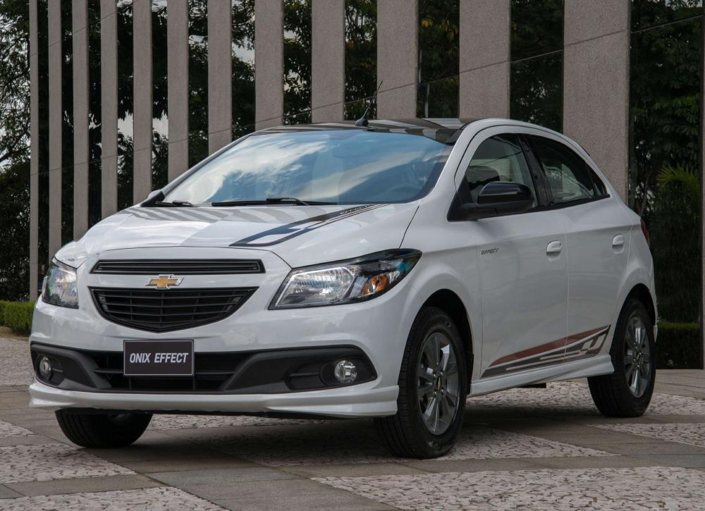 medium resolution of chevrolet onix effect 1 4 2014 2015 15