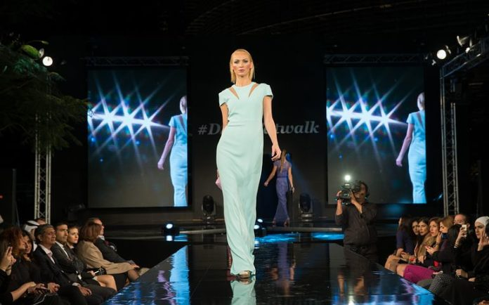 Modenschau, Mode ,Laufsteg, Modell ,Weiblich, Stil,Berlin,Premium