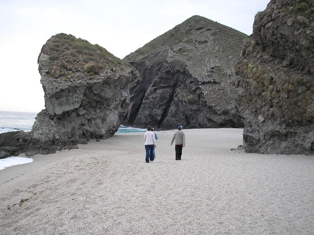 Playa de los muertos, uno de los lugares más bonitos de España