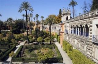 Alcazar de Sevilla y Giralda