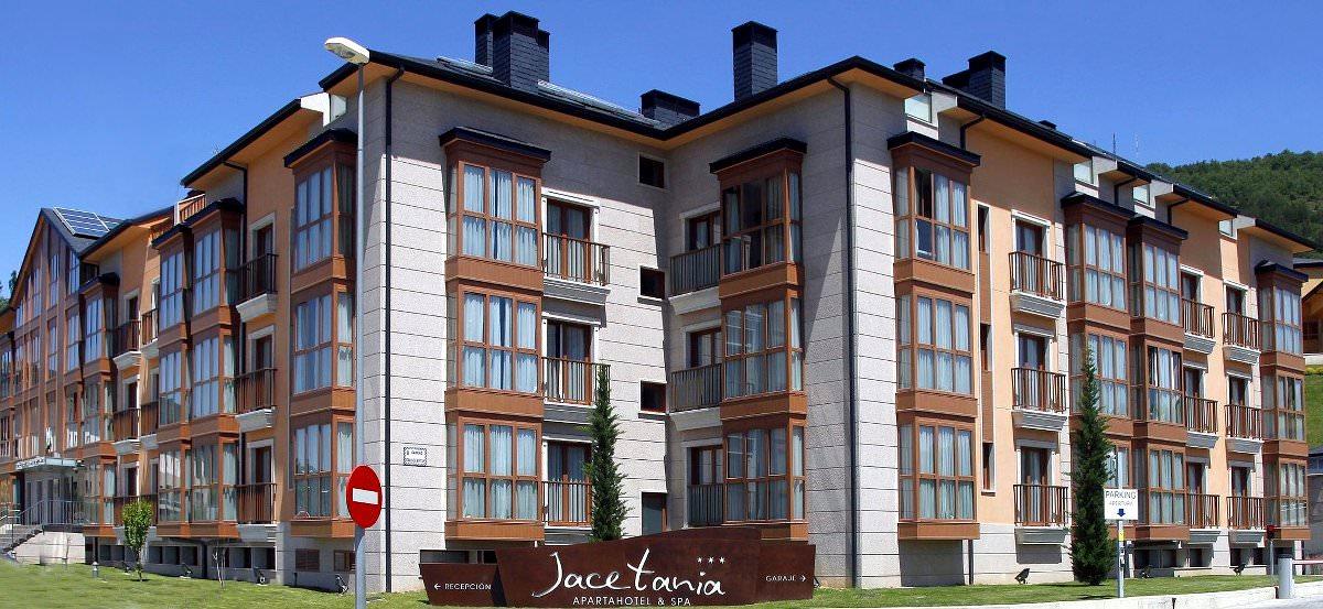 Si buscas apartamento en Jaca aljate en el Apartahotel