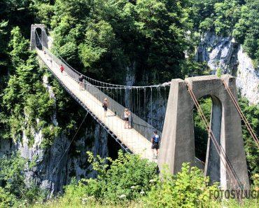Ruta al puente colgante de Holtzarte, uno de los más altos de Europa