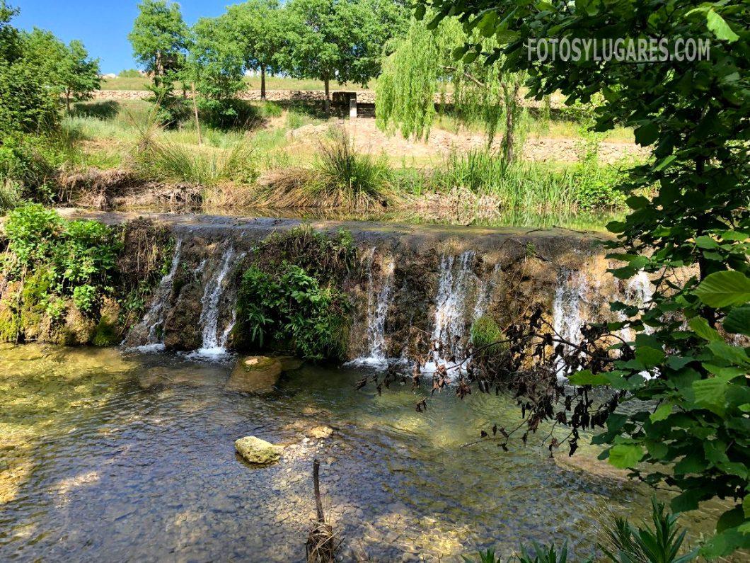 Salto de agua del río en Bañeres
