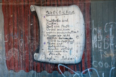 Graffiti Künstler verewigen sich auch hier