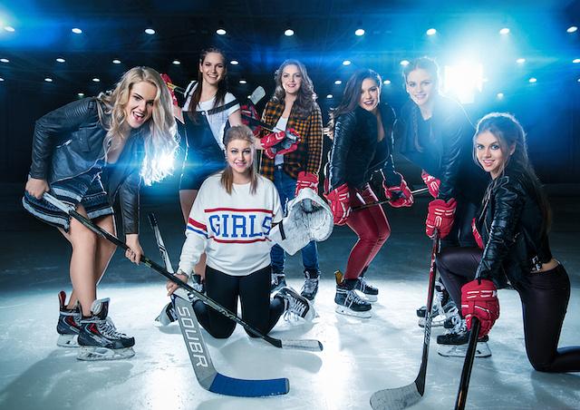 Женская хоккейная лига выпустила календарь
