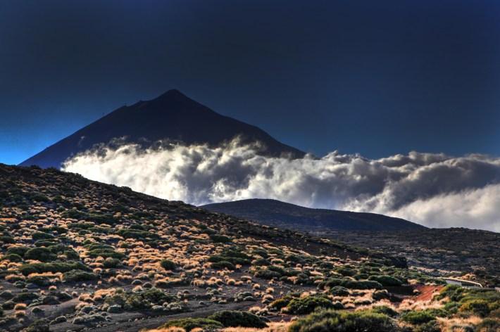Teide w śród chmur