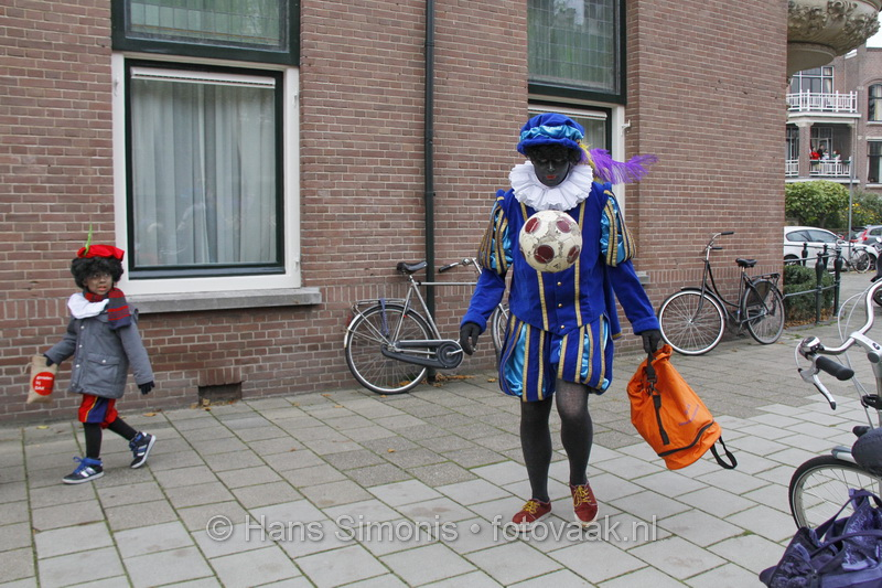 131116_060_intocht_sint_keizerstraat_frederikhendrikstraat-deel5
