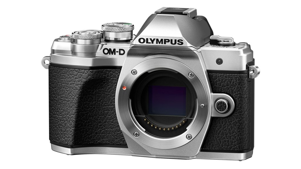 Olympus Winter cashbacks and E-PL9 free lens offer