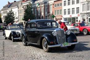6511 Oldtimers verzameling op de Markt in Oudenaarde