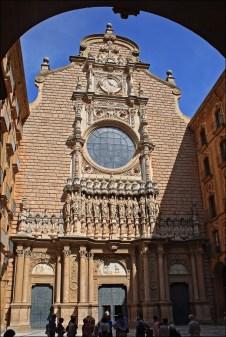 Фасад базилики монастыря
