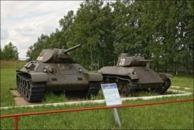 средний Т-34 и легкий Т-50