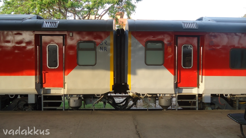 Brand new LHB rakes of the Bangalore - Nizamuddin Rajdhani Express