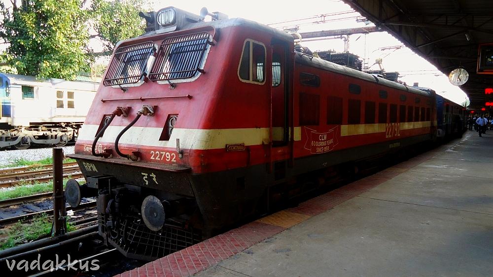 Royapuram's WAP4 22792 at SBC with Kochuveli Exp