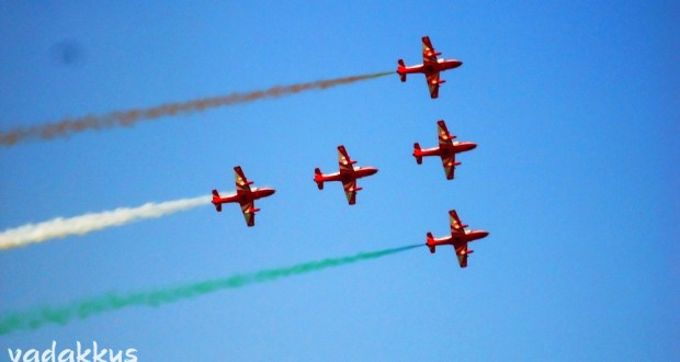 Air Acrobatics of the Surya Kiran Team of the Indian Air Force at Bangalore Air Show 2011