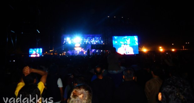 Guns N Roses performing live in Bangalore, the crowd