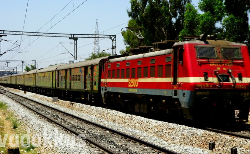 Blazing Red SRC WAP4 #22500 Heads the Howrah Duronto