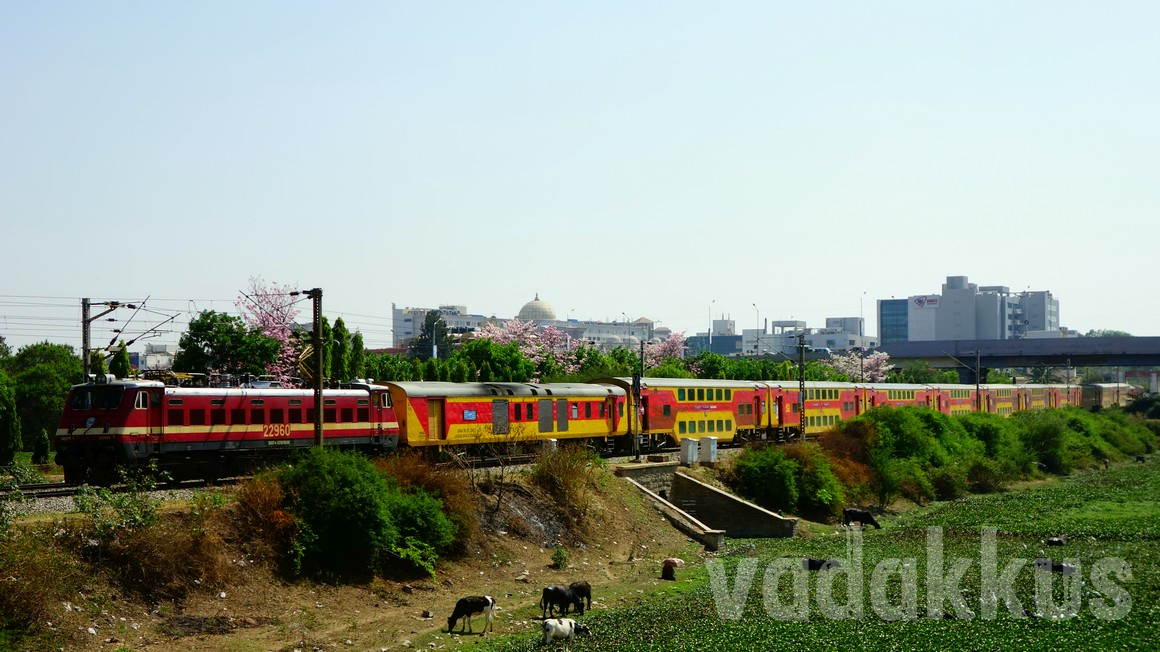 Picture of the Indian Railways Double Decker Express in Full Length at Bangalore