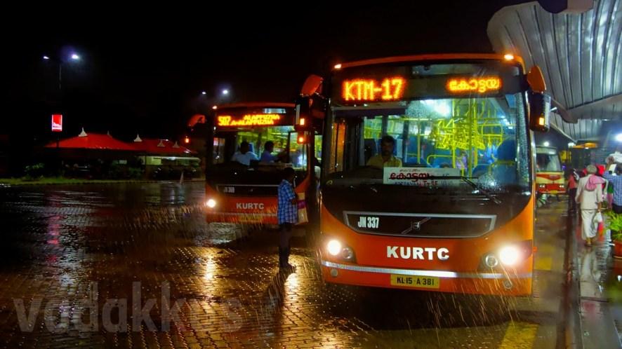 "KURTC AC ""Low Floor"" Volvos in the Rain at Night at Vyttila Hub"