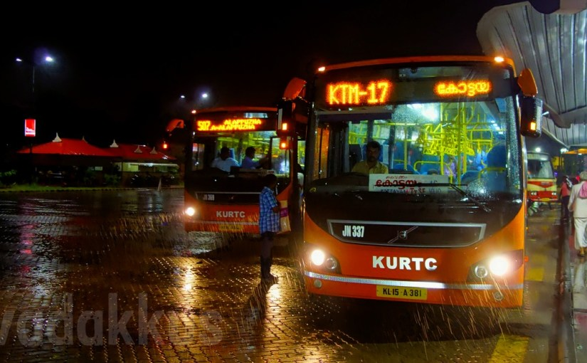 "KURTC AC ""Low Floor"" Volvos in the Rain at Night at Vyttila Hub"