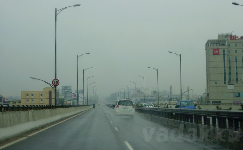 Photo of the Bangalore Electronic City flyover during rain