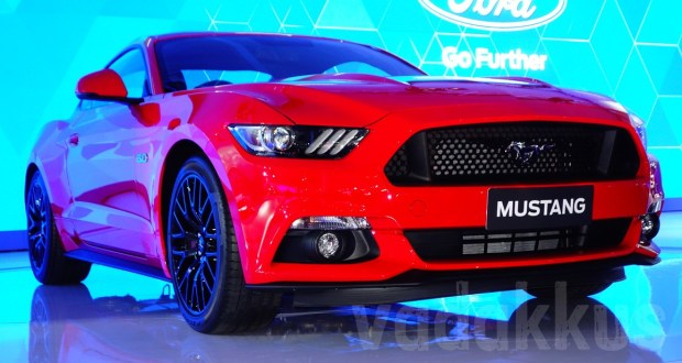 2016 Ford Mustang GT Fastback at the 2016 Auto Expo Delhi India