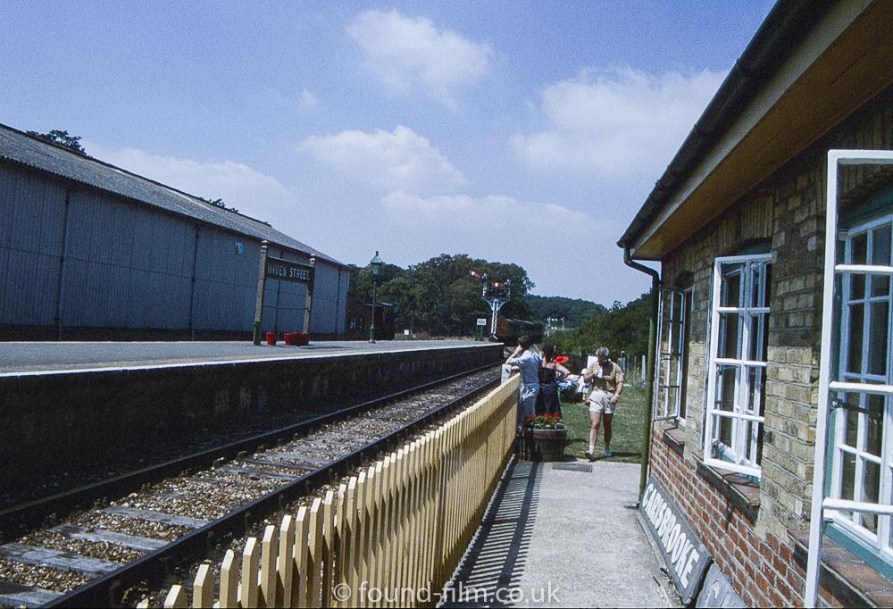 Haven street station