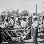 Buying a Mexican blanket