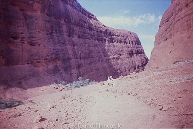 Ayres Rock - pathway