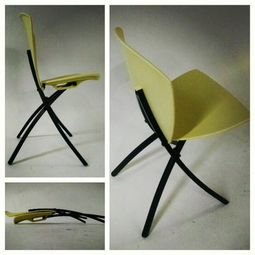 4 Viva Folding Chairs