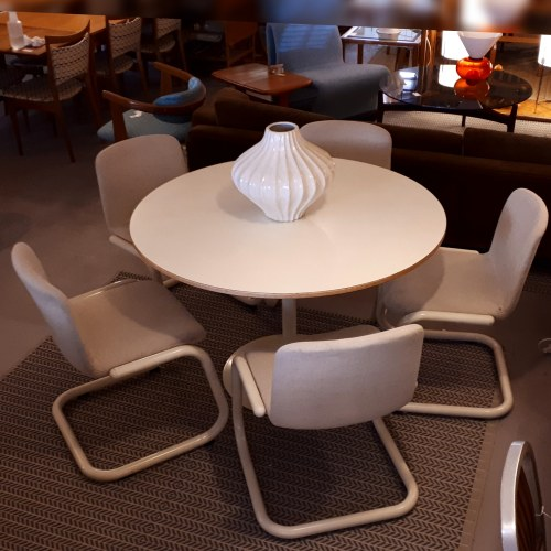 Kinetics Dining Set