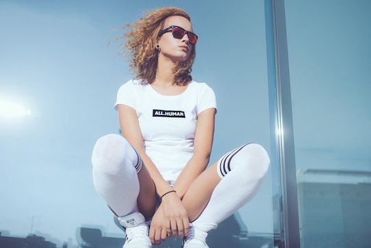 "Die Kreation ""All.Human"" gibt es als T-Shirt...Foto: Kristijonas Duttke"