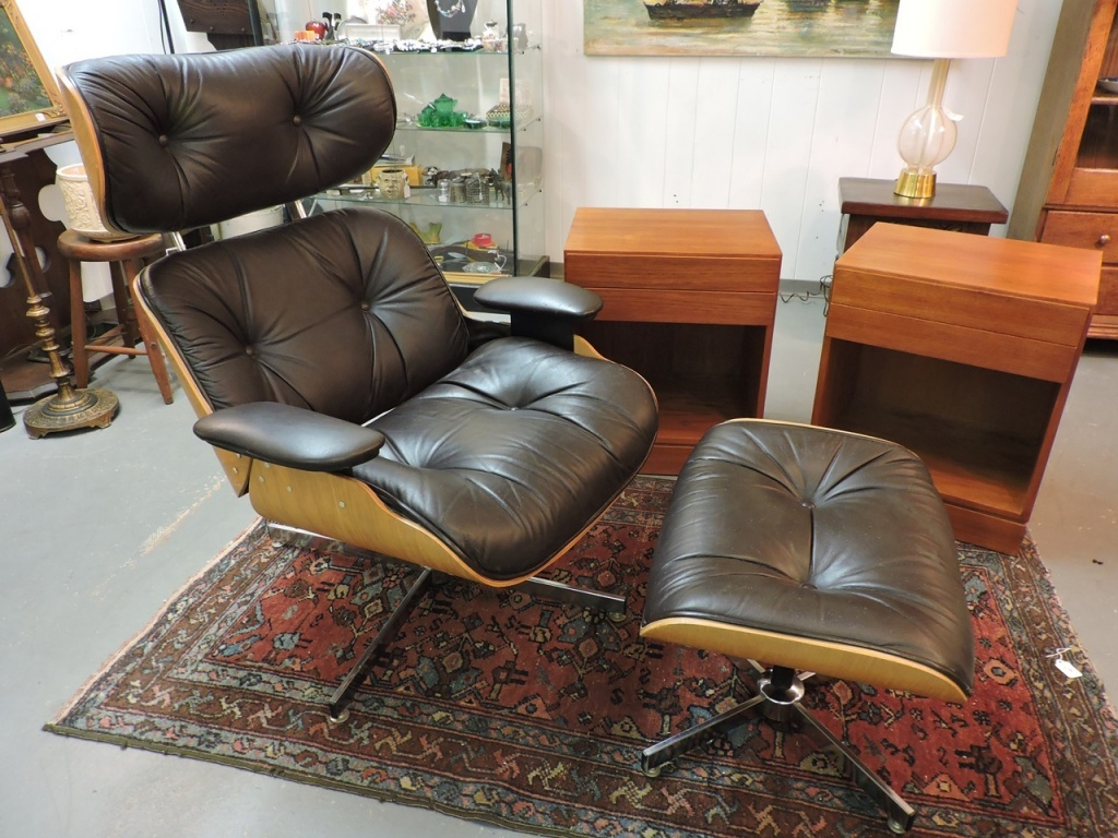 Selig Lounge Chair Found In Ithaca Modern Selig Lounge Chair And Ottoman 375 00