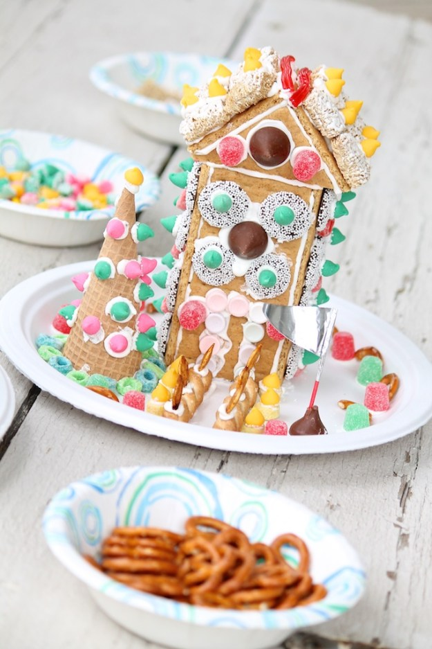 Easy Graham Cracker Houses