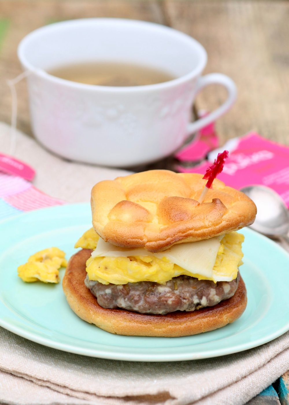 Low-Carb Egg & Sausage Sandwiches -Breakfast sandwiches are often high in carbs and fat, but with a few easy swaps they can be a healthy and totally satisfying start to the day.